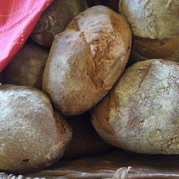 Frisches Brot vom neuen Bäcker